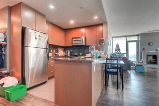 Photo 3: 1805 99 SPRUCE Place SW in Calgary: Spruce Cliff Apartment for sale : MLS®# C4245616