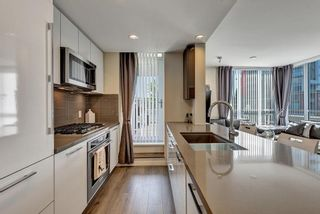 """Photo 10: 303 3093 WINDSOR Gate in Coquitlam: New Horizons Condo for sale in """"THE WINDSOR"""" : MLS®# R2583363"""