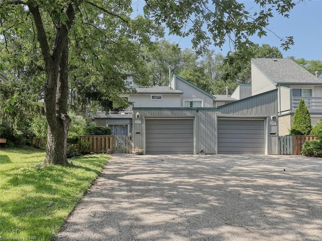 Main Photo: 659 WOODCREST Boulevard in London: South M Residential for sale (South)  : MLS®# 40137786