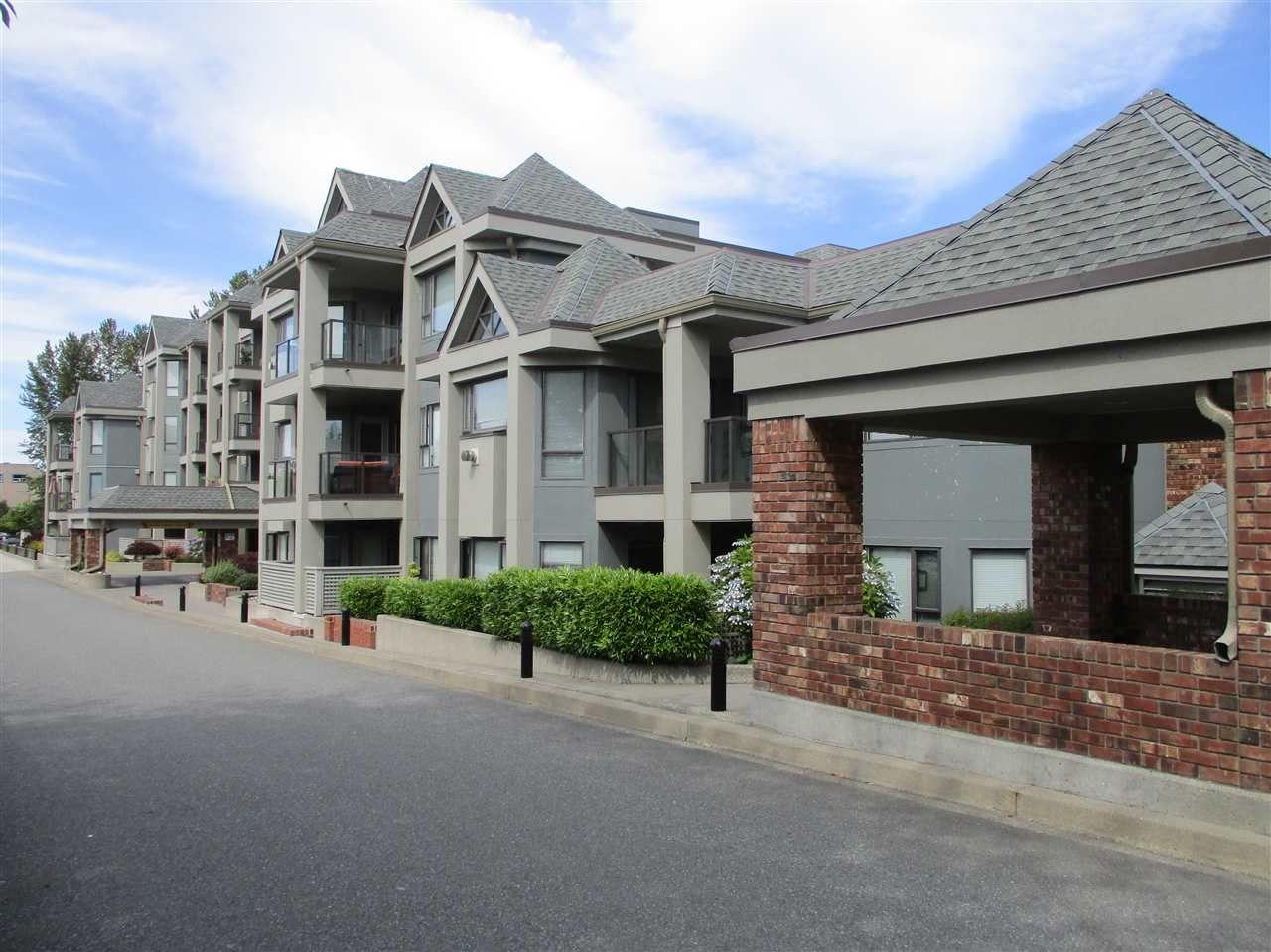 Photo 1: Photos: 106 15241 18 AVENUE in Surrey: King George Corridor Condo for sale (South Surrey White Rock)  : MLS®# R2190046