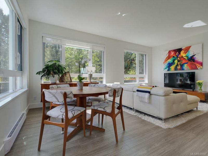 FEATURED LISTING: 101 - 960 Reunion Ave Langford