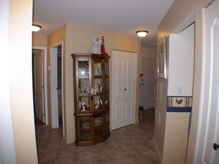 "Photo 3: 208 5450 208TH Street in Langley: Langley City Condo for sale in ""MONTGOMERY GATE"" : MLS®# F1022244"
