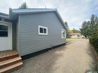Photo 2: 536 4th Avenue East in Unity: Residential for sale : MLS®# SK871551