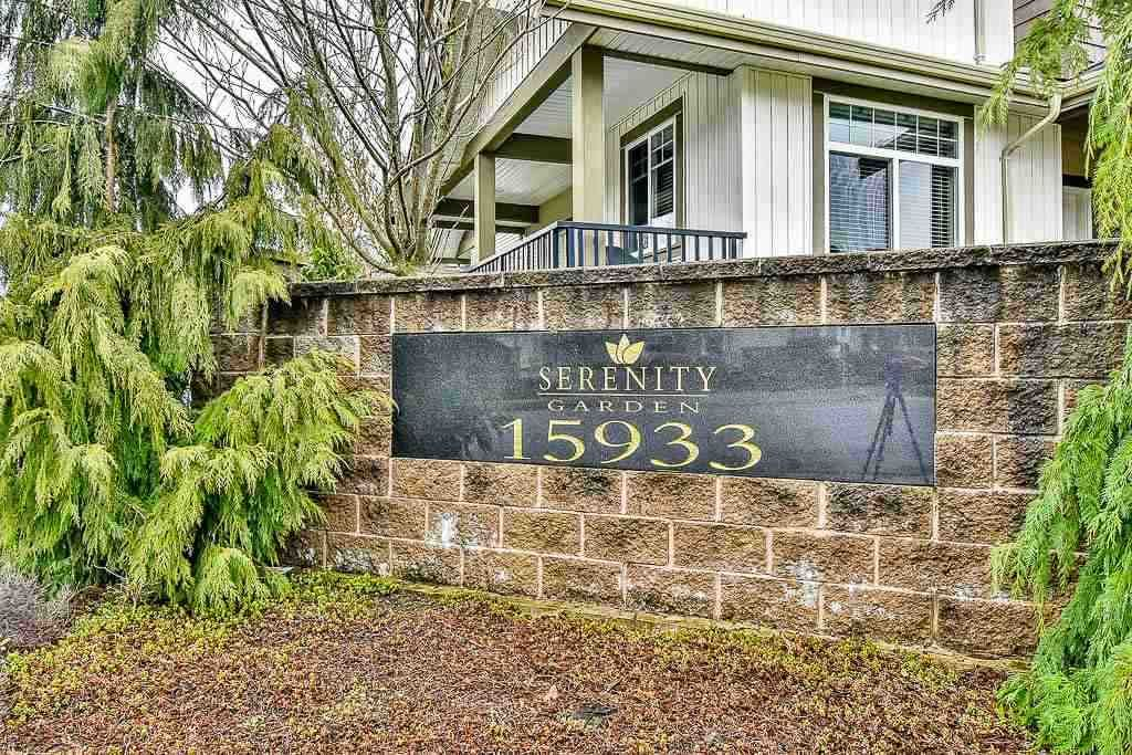 """Main Photo: 33 15933 86A Avenue in Surrey: Fleetwood Tynehead Townhouse for sale in """"Serenity Garden"""" : MLS®# R2160098"""