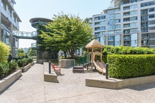 """Photo 27: 311 1288 MARINASIDE Crescent in Vancouver: Yaletown Condo for sale in """"Crestmark I"""" (Vancouver West)  : MLS®# R2602916"""