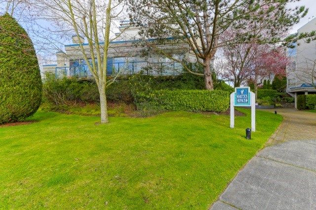 """Main Photo: 105 4733 W RIVER Road in Delta: Ladner Elementary Condo for sale in """"RIVER WEST"""" (Ladner)  : MLS®# R2046869"""