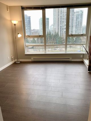 "Photo 3: 901 928 BEATTY Street in Vancouver: Yaletown Condo for sale in ""THE MAX"" (Vancouver West)  : MLS®# R2540725"