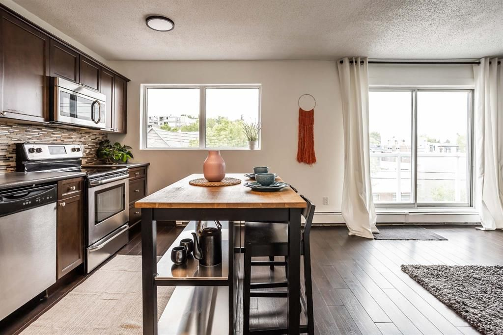 Main Photo: 303 2117 16 Street SW in Calgary: Bankview Apartment for sale : MLS®# A1118839