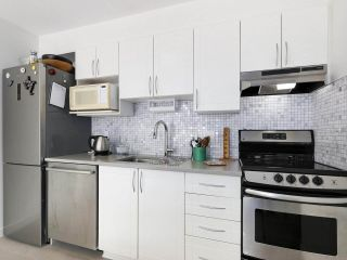"""Photo 13: 312 688 E 16TH Avenue in Vancouver: Fraser VE Condo for sale in """"Vintage Eastside"""" (Vancouver East)  : MLS®# R2510286"""