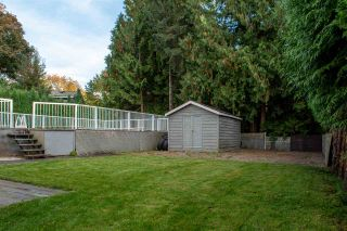Photo 5: 18162 61B Avenue in Surrey: Cloverdale BC House for sale (Cloverdale)  : MLS®# R2509695