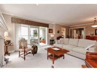 Photo 11: # 402 1725 128TH ST in Surrey: Crescent Bch Ocean Pk. Condo for sale (South Surrey White Rock)  : MLS®# F1441077