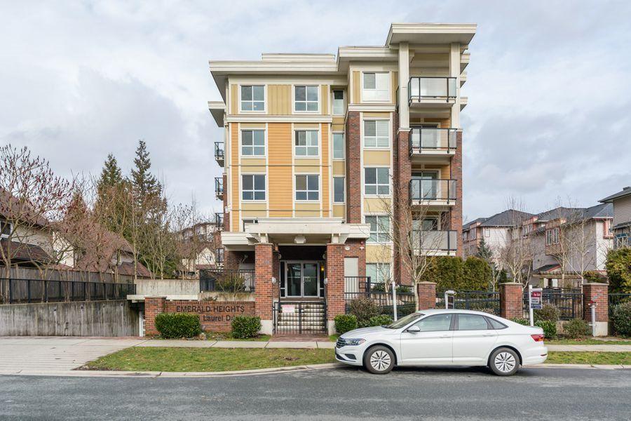 Main Photo: 510 13883 LAUREL Drive in Surrey: Whalley Condo for sale (North Surrey)  : MLS®# R2541270