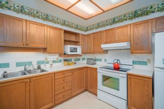 """Photo 13: 316 6735 STATION HILL Court in Burnaby: South Slope Condo for sale in """"COURTYARDS"""" (Burnaby South)  : MLS®# R2615271"""