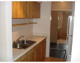 """Photo 5: 204 1830 ALBERNI Street in Vancouver: West End VW Condo for sale in """"GARDEN COURT"""" (Vancouver West)  : MLS®# V663574"""