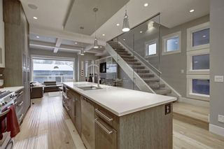 Photo 5: 1134 Colgrove Avenue NE in Calgary: Renfrew Detached for sale : MLS®# A1084105