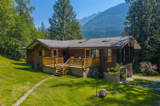 """Photo 32: 49199 CHILLIWACK LAKE Road in Chilliwack: Chilliwack River Valley House for sale in """"Chilliwack River Valley"""" (Sardis) : MLS®# R2597869"""