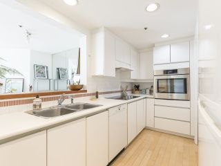 """Photo 19: 406 1551 MARINER Walk in Vancouver: False Creek Condo for sale in """"LAGOONS"""" (Vancouver West)  : MLS®# R2548149"""