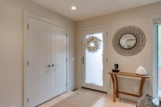 Photo 5: 2416 34 Avenue NW in Calgary: Charleswood Detached for sale : MLS®# A1116419