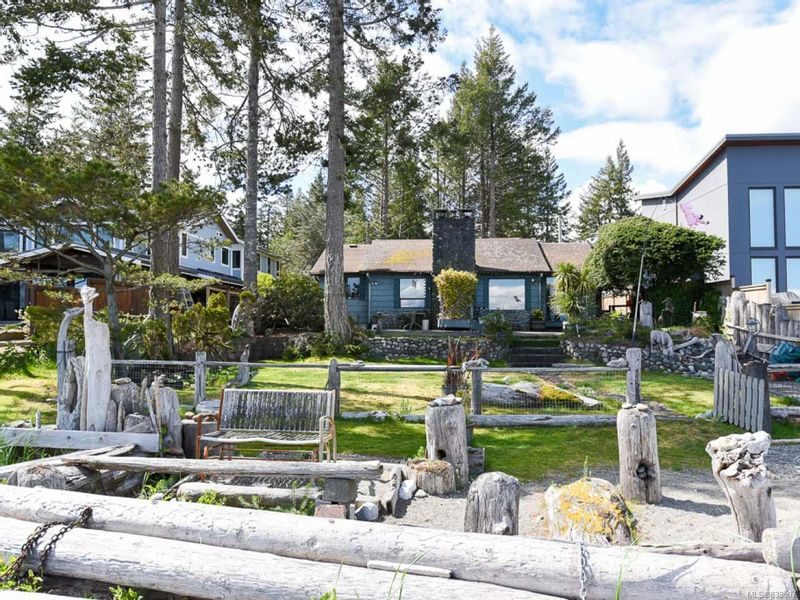 FEATURED LISTING: 1760 Astra Rd COMOX