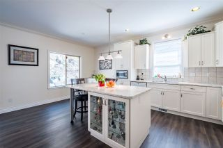 """Photo 5: 35713 REGAL Parkway in Abbotsford: Abbotsford East House for sale in """"REGAL PEAKS"""" : MLS®# R2424574"""