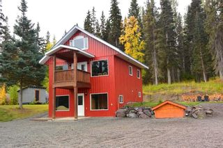"Photo 1: 38685 FORESTRY POINT Road in Smithers: Smithers - Rural House for sale in ""Smithers Landing"" (Smithers And Area (Zone 54))  : MLS®# R2408636"