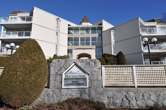 """Main Photo: 417 1219 JOHNSON Street in Coquitlam: Canyon Springs Condo for sale in """"MOUNTAINSIDE PLACE"""" : MLS®# R2135462"""