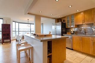 "Photo 20: 202 1490 PENNYFARTHING Drive in Vancouver: False Creek Condo for sale in ""HARBOUR COVE"" (Vancouver West)  : MLS®# V977927"