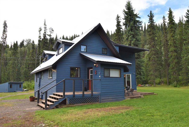 FEATURED LISTING: 1225 AVELING COALMINE Road Smithers