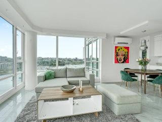 Photo 7: 2105 1033 MARINASIDE Crescent in Vancouver: Yaletown Condo for sale (Vancouver West)  : MLS®# R2614504