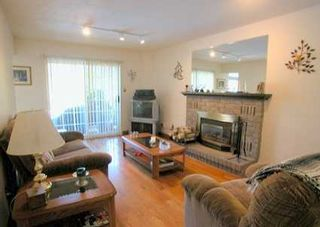 Photo 6: 76 Longwater Chase Chse: House (2-Storey) for sale (N11: LOCUST HIL)  : MLS®# N916405