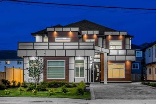 Photo 2: 7446 124 Street in Surrey: West Newton House for sale : MLS®# R2590700