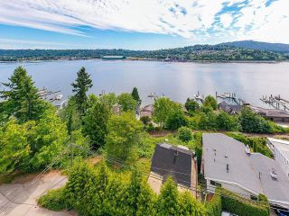 Photo 5: 940 IOCO Road in Port Moody: Barber Street House for sale : MLS®# R2597427