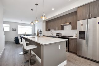 """Photo 2: 18 34230 ELMWOOD Drive in Abbotsford: Central Abbotsford Townhouse for sale in """"TEN OAKS"""" : MLS®# R2447846"""