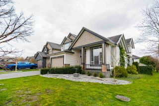 """Photo 2: 19664 71A Avenue in Langley: Willoughby Heights House for sale in """"Willoughby"""" : MLS®# R2559298"""