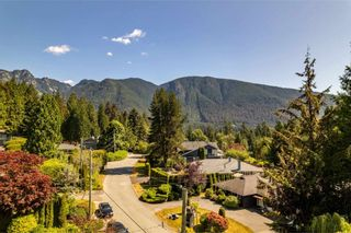 """Photo 24: 87 GLENMORE Drive in West Vancouver: Glenmore House for sale in """"Glenmore"""" : MLS®# R2604393"""