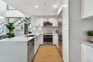 """Photo 5: PH7 5981 GRAY Avenue in Vancouver: University VW Condo for sale in """"SAIL"""" (Vancouver West)  : MLS®# R2532965"""
