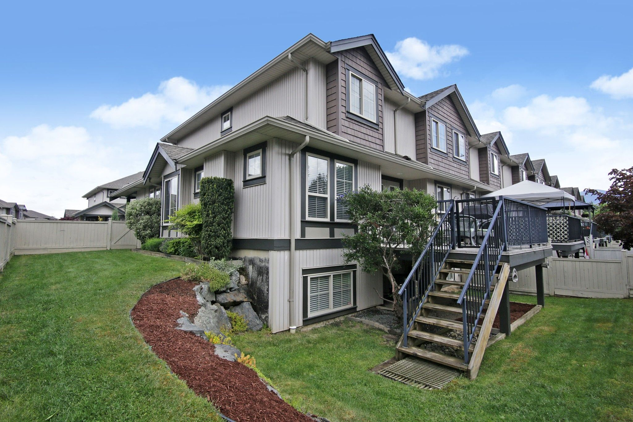 """Photo 24: Photos: 25 6450 BLACKWOOD Lane in Chilliwack: Sardis West Vedder Rd Townhouse for sale in """"THE MAPLES"""" (Sardis)  : MLS®# R2581381"""
