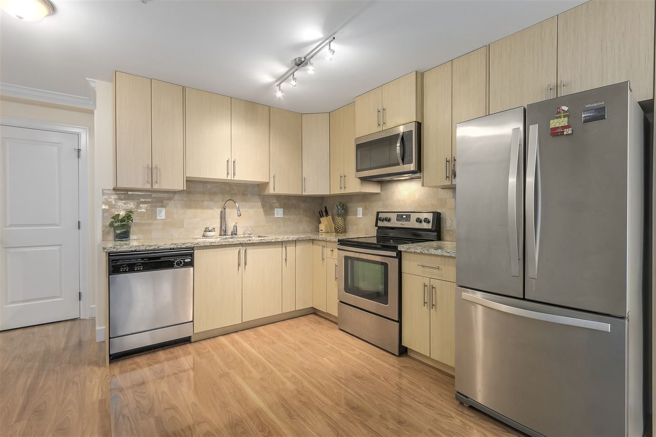 Photo 4: Photos: 89 N GARDEN Drive in Vancouver: Hastings Townhouse for sale (Vancouver East)  : MLS®# R2232859