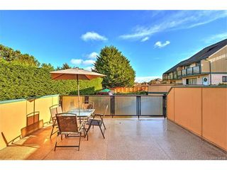 Photo 1: 5 736 Wilson St in VICTORIA: VW Victoria West Row/Townhouse for sale (Victoria West)  : MLS®# 747551