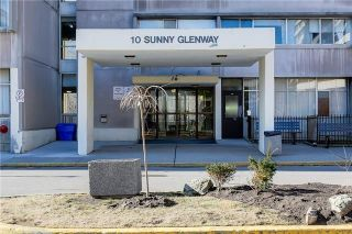 Photo 3: 103 10 Sunny Glenway in Toronto: Flemingdon Park Condo for sale (Toronto C11)  : MLS®# C3670826