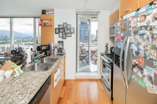 """Photo 7: 403 2483 SPRUCE Street in Vancouver: Fairview VW Condo for sale in """"SKYLINE"""" (Vancouver West)  : MLS®# R2189151"""