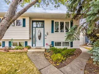 Photo 2: 320 Willow Park Drive SE in Calgary: Willow Park Detached for sale : MLS®# A1041672