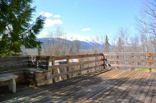 Photo 4: 200 LAIDLAW Road in Smithers: Smithers - Rural House for sale (Smithers And Area (Zone 54))  : MLS®# R2453029
