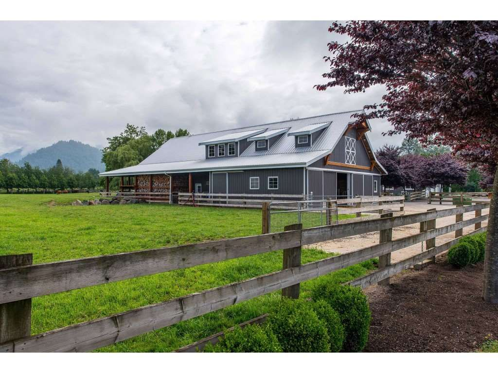 Photo 16: Photos: 6209 HOLLY Road: Agassiz House for sale : MLS®# R2388475