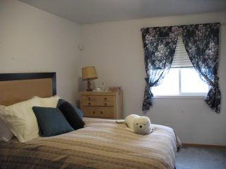 Photo 3: 3323 28 Street SE in CALGARY: West Dover Residential Attached for sale (Calgary)  : MLS®# C3498033
