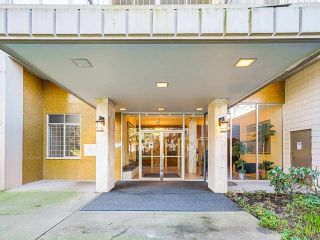 "Photo 5: 2101 1850 COMOX Street in Vancouver: West End VW Condo for sale in ""El Cid"" (Vancouver West)  : MLS®# R2530028"