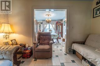 Photo 9: 983 BRUCE AVENUE in Windsor: House for sale : MLS®# 21017482