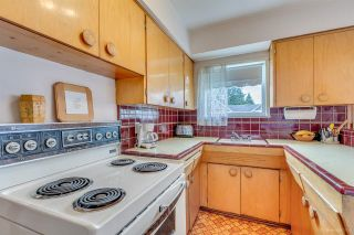 "Photo 12: 760 SMITH Avenue in Coquitlam: Coquitlam West House for sale in ""COQUITLAM WEST"" : MLS®# R2077431"