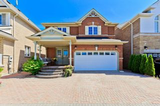 Main Photo: 657 Armstrong Boulevard in Milton: Beaty House (2-Storey) for sale : MLS®# W4562604
