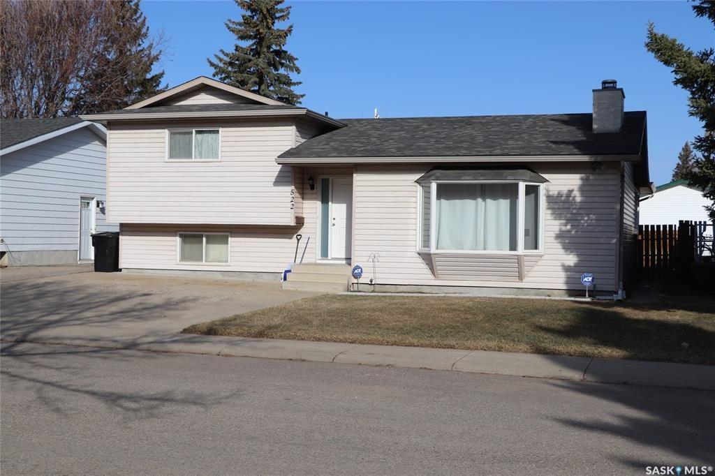 Main Photo: 522 Priel Crescent in Saskatoon: Fairhaven Residential for sale : MLS®# SK848941